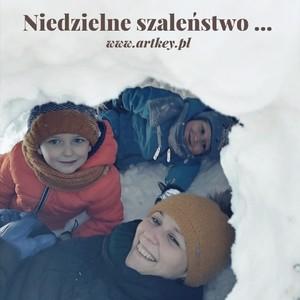 Miłego południa dla wszystkich, my dzisiaj niedzielne białe szaleństwo w śnieżku... 😜🤪😁😊😇😉🙃🙂 Nie zapominajcie o nas zapraszamy na naszą stronę Www.artkey.pl jutro od rana pracujemy zapewne w bojowym nastroju żeby zrealizować wszystkie zamowienia na czas.   #albumzgrawerem #albumdrewniany #albumzgrawerem #prezentdladziecka #prezentdlamamy #garawerowanie #album #albumfoto#zdjeciaslubne #zima #zima2021