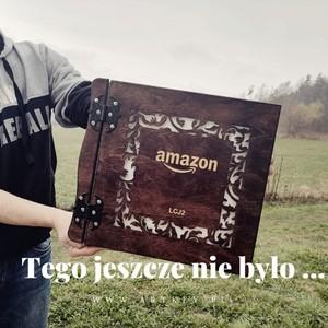Coś nowego o poranku‼️‼️‼️‼️‼️ Duży, ażurowy, z dużym oknem i jeszcze jaki wyjątkowy grawer. Takie momenty są bezcenne i zapadają nam w pamięć. #Amazon #album #woodenpendrive #albumzgrawerem #