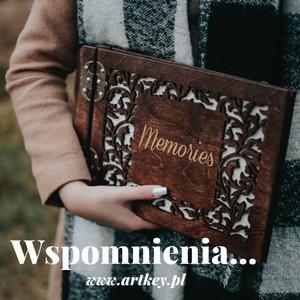 Dlaczego wspomnienia są takie ważne? Po raz kolejny serdeczne podziękowania za wyjątkowe zdjęcia od  pani Weroniki #albumzgrawerem #WOŚP2021 #walentynki2020 #Album #photo #albumzgrawerem #woodenalbum #fotografia #instagram #woodenpendrive #albumdrewniany